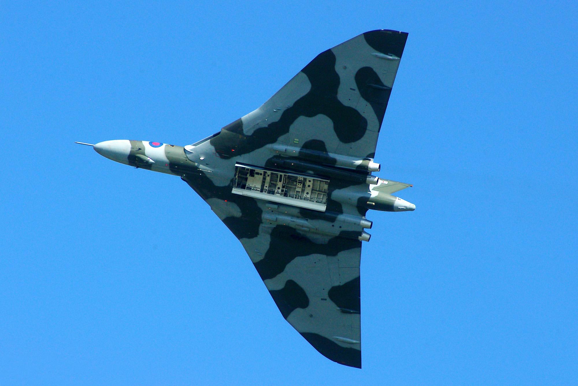 vulcan xh558
